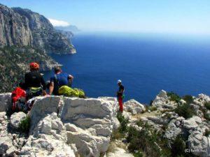 Sziklamászó tanfolyam kezdőknek, mászótechnika tanulóknak és több kötélhosszas sziklamászóknak