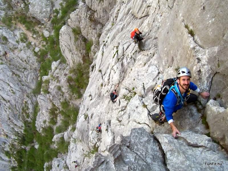 Egy gyönyörű, ritkásan biztosított paklenicai mászóút: Centralni Kamin